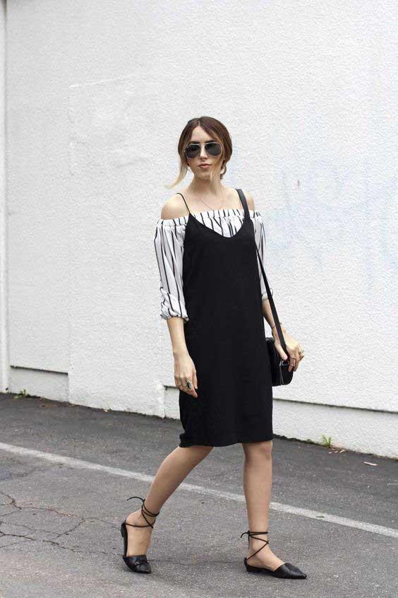 Đầm đen phối layer cùng áo thun và áo sơ mi trắng