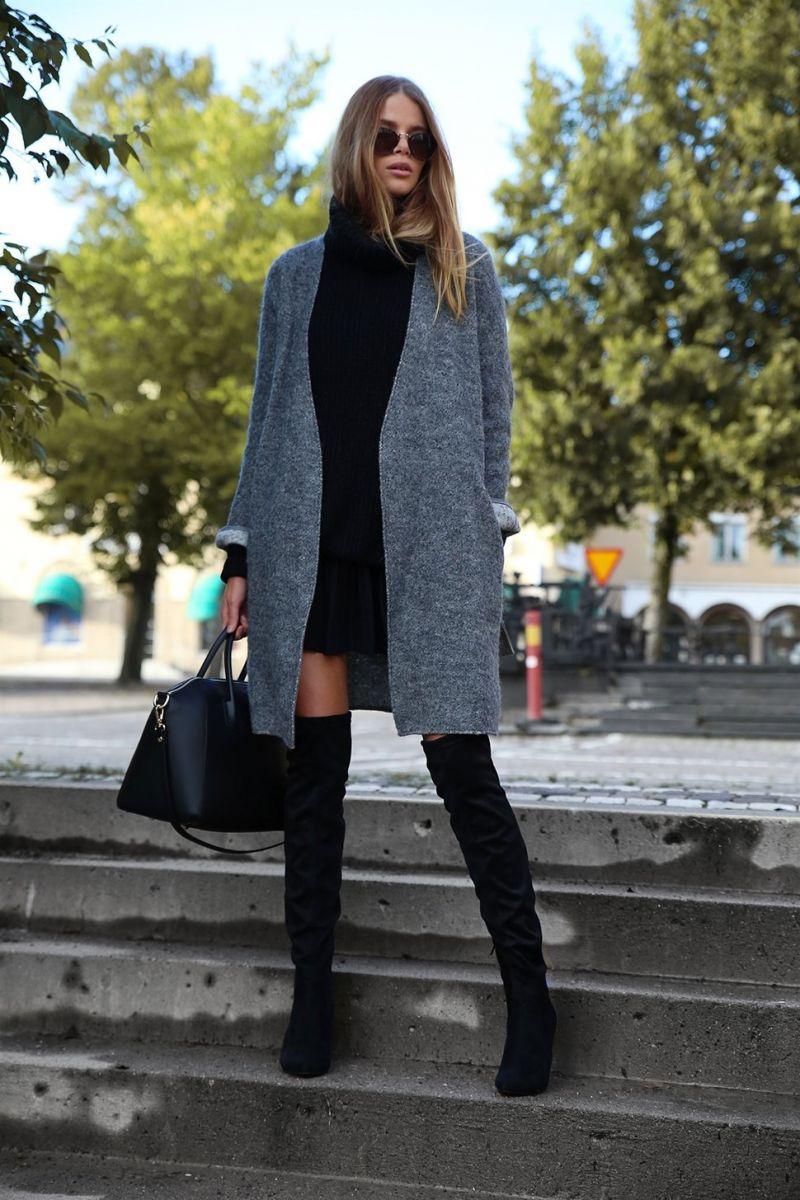 mặc đầm đen mang giày màu gì